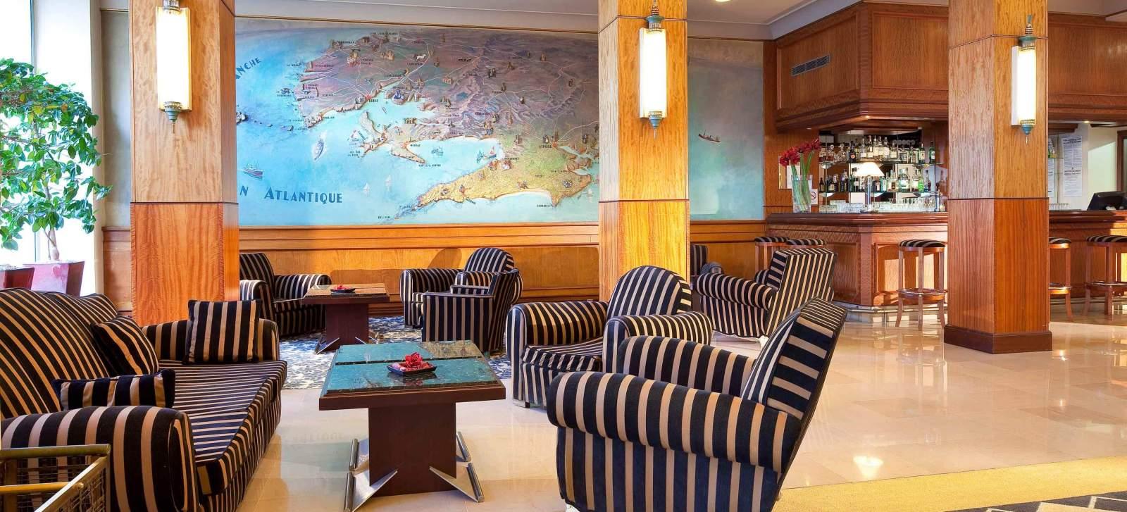 Lobby - Hôtel Le Continental Brest 4 étoiles.jpg