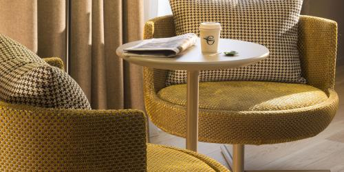 hotel-4-etoiles-dijon-oceania-le-jura-chambre-deluxe-coin-salon.jpg