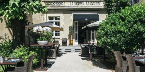 Hotel Oceania Le Metrople Montpellier - Hotel Spa 4 etoiles Montpellier - Restaurant - La Closerie terrasse.jpg