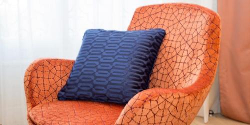 Oceania-Le-Metropole-Montpellier---4-etoiles---Chambre-Prestige-fauteuil.jpg