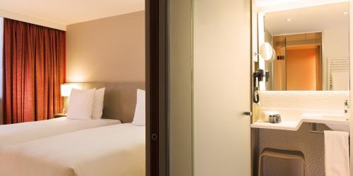 chbre_sup - Hôtel 4 étoiles Oceania Paris Roissy aéroport CDG  (3).jpg