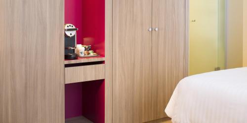 Hotel 4 étoiles Nantes Oceania Hôtel de France -  Chambre avec machine Nespresso.jpg