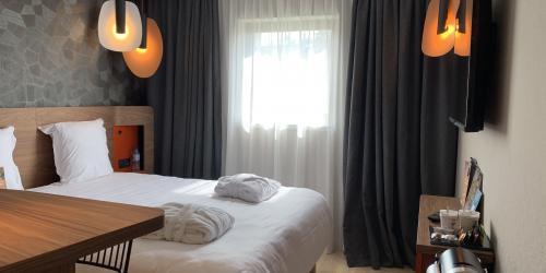 Chambre Superieure avec Nespresso -  Hotel Oceania Paris Porte de Versailles 4 étoiles.jpg