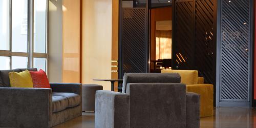 Hotel Oceania Quimper 4 etoiles - Lobby.jpg