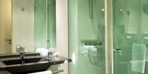 Salle de bain - Hotel 4 etoiles Oceania Brest Centre (1).jpg