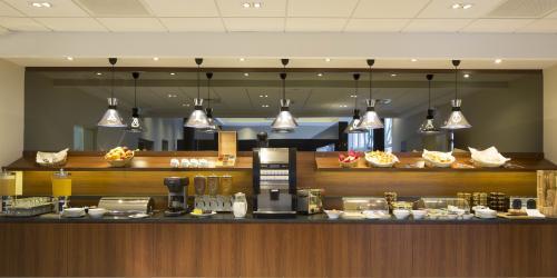 Hotel 3 étoiles Orléans Escale Oceania - Buffet petit-déjeuner.jpg