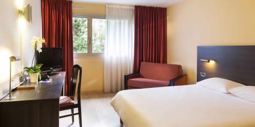Hotel-Oceania-Quimper-4-etoiles---chambre-(10).jpg