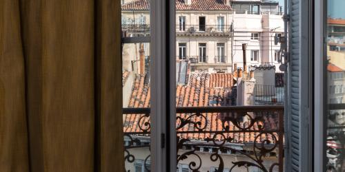 Hotel Marseille Escale Oceania 3 etoiles - Hotel Vieux Port Marseille - Vue des Chambres.jpg