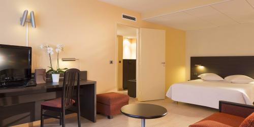 Hotel 3 étoiles Brest aéroport Escale Oceania -Suite avec salon.jpg
