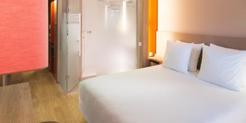 chbre_sup - Hôtel 4 étoiles Oceania Paris Roissy aéroport CDG  (2).jpg