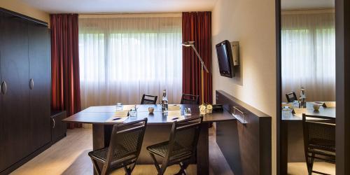 Hotel-3-étoiles-Brest-aéroport - Chambre Affaires.jpg