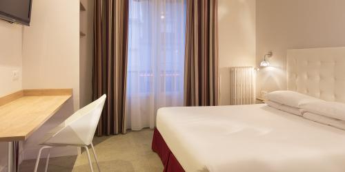 Chambre - Hotel Escale Oceania Lorient 3 etoiles (8).jpg