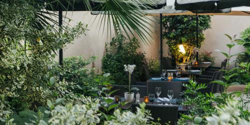 Hotel Oceania Le Metrople Montpellier - Hotel Spa 4 etoiles Montpellier - La Closerie Restaurant Jardin.jpg