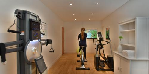 salle fitness - Hotel Escale Oceania Lorient 3 etoiles (1).JPG