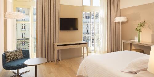 Hotel 4 étoiles Nantes Oceania Hôtel de France -  Chambre Deluxe avec vue.jpg