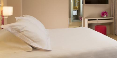 Chambre - Hotel 4 etoiles Oceania rennes (9).jpg
