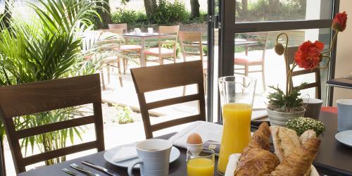petit dejeuner - Hotel Escale Oceania Rennes Cap Malo 3 etoiles.jpg