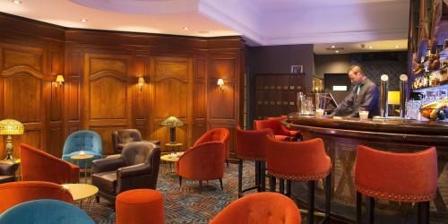 Bar - Hotel Oceania 4 etoiles Univers Tours (2).jpg