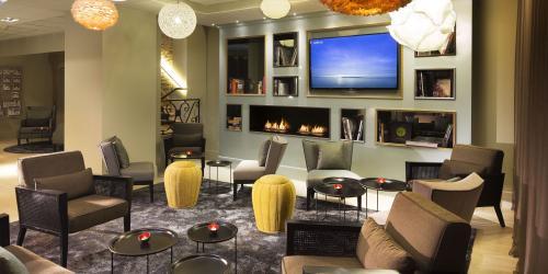 hotel-4-etoiles-dijon-oceania-le-jura-lobby.jpg
