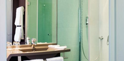 Salle de bain - Hotel Oceania Paris Porte de Versailles 4 étoiles (3).jpg