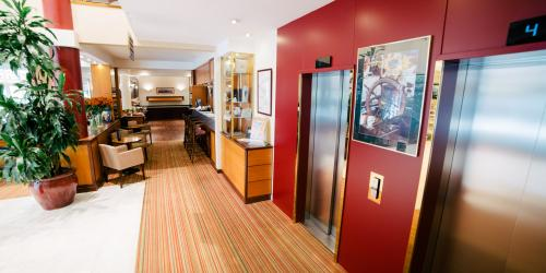 hotel brest h tel proche de la gare de brest 3 et 4. Black Bedroom Furniture Sets. Home Design Ideas