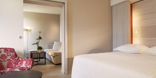 Chambre - Hotel Oceania Clermont ferrand 4 etoiles (7).jpg