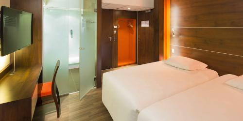 Chambre - Hotel 4 etoiles Oceania rennes (3).jpg