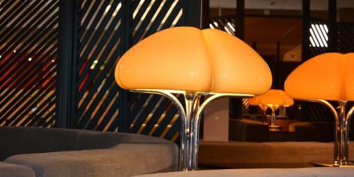 Hotel Oceania Quimper 4 etoiles - Lampe bar.jpg