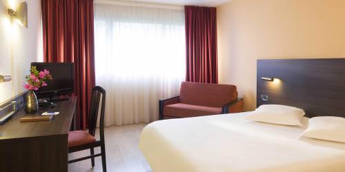Hotel 3 étoiles Brest aéroport Escale Oceania - Chambre Famille.jpg