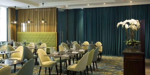 Restaurant - Hotel Oceania 4 etoiles Univers Tours.jpg