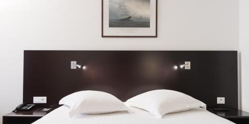 Hotel 4 etoiles Oceania Amiraute Brest - chambre (7).jpg