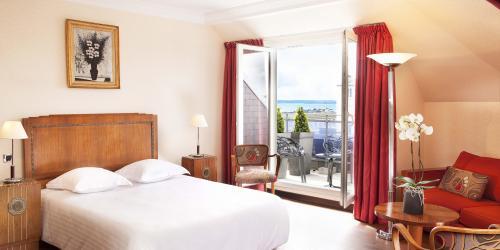 Junior Suite - Hotel Oceania 4 etoiles Le Continental Brest.jpg