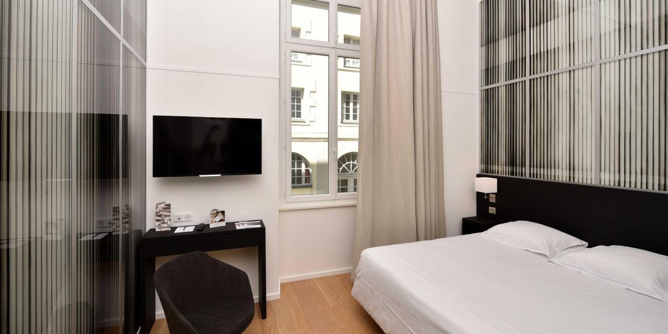 Oceania Hotel de France Nantes 4* - Artist Room Justin Weiler