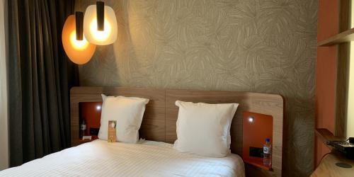 Hotel Oceania Paris Porte de Versailles 4 étoiles - Lit double.jpg