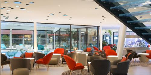 - Hôtel 4 étoiles Oceania Paris Roissy aéroport CDG (11).jpg