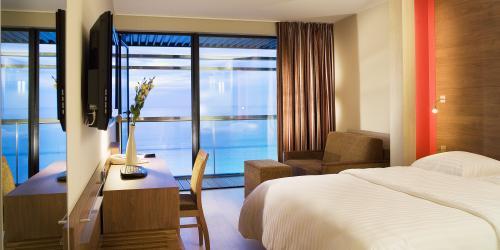 Chambre Croisière, vue sur mer - Hôtel Oceania Saint-Malo 4 étoiles-min.jpg