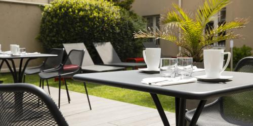 Hotel 3 etoiles Escale Oceania Saint Malo - jardin (3).jpg