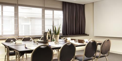 Hôtel Escale Oceania Quimper-salle seminaire.jpg