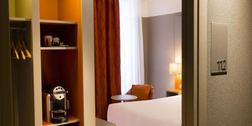 hotel-4-etoiles-dijon-oceania-le-jura-chambre-supérieure-double-avec-nespresso.jpg