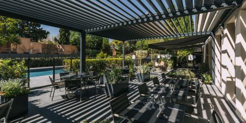 Hotel Escale Oceania Aix en Provence - Hotel 3 etoiles Aix terrasse (20).jpg