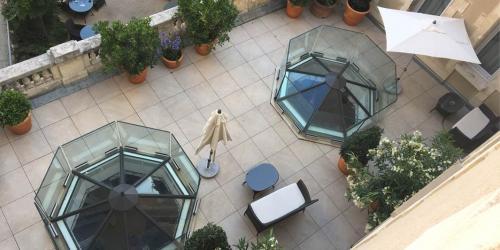 Oceania-Le-Metropole-Montpellier---4-etoiles-terrasse-privee-suite-et-chambre-famille.jpg
