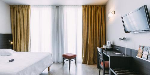 Hotel Marseille Escale Oceania 3 etoiles - Hotel Vieux Port Marseille - Chambre Supérieure Double.jpg
