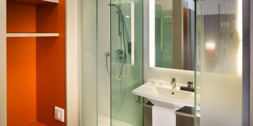 hotel-4-etoiles-dijon-oceania-le-jura-douche-à-l-italienne-produits-d-accueil.jpg