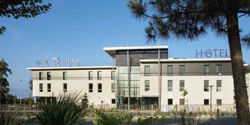 Facade Hotel Escale Oceania Rennes Cap Malo 3 etoiles  (3).jpg