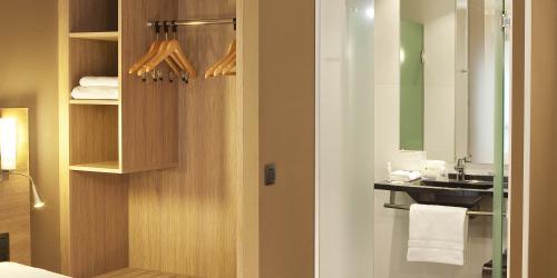 Hotel Escale Oceania Quimper 3 étoiles - Chambre Confort.jpg