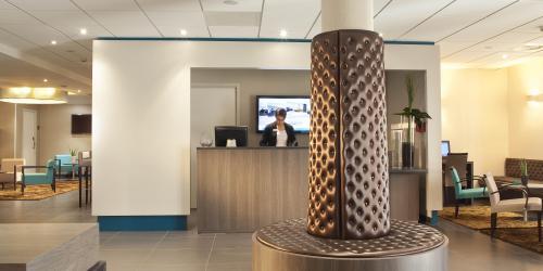 Hotel Escale Oceania Quimper 3 étoiles - Accueil réception.jpg