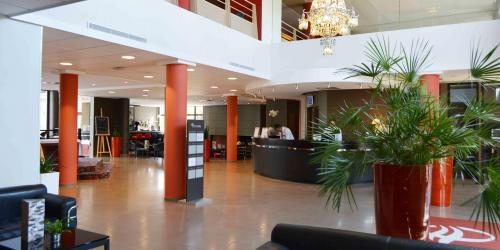 Hotel 4 etoiles Oceania Nantes Aéroport - Accueil réception.jpg