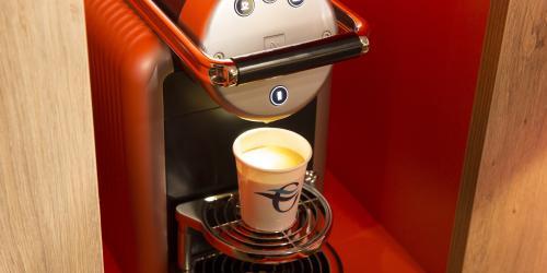 accueil_nespresso - Hôtel 4 étoiles Oceania Paris Roissy aéroport CDG (2).jpg