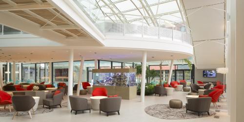 - Hôtel 4 étoiles Oceania Paris Roissy aéroport CDG (8).jpg