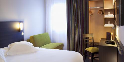 Hôtel Escale Oceania Vannes 3 étoiles - Chambre supérieure triple.jpg